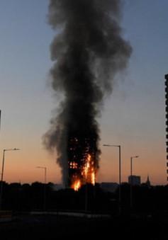 Số nhà cao tầng không đạt an toàn cháy nổ tăng tại Anh