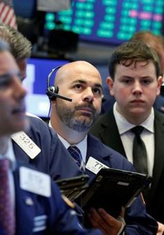 Chứng khoán Mỹ đỏ sàn do cổ phiếu GE sụt giảm mạnh