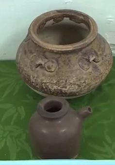 Bảo tàng lịch sử Thừa Thiên Huế tiếp nhận cổ vật
