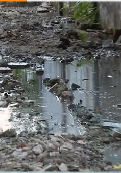 Khu dân cư ở TP.HCM gần 10 năm không có cống thoát nước