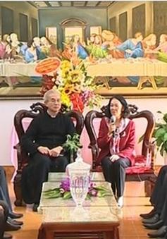 Đồng chí Trương Thị Mai gặp gỡ các chức sắc tôn giáo Thanh Hóa