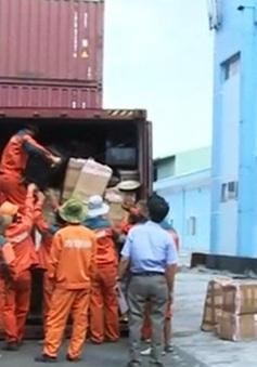 Tổng cục Hải Quan bắt 3 container hàng lậu tại cảng Cát Lái