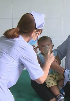 Quảng Nam: Khám chữa bệnh cho người dân Lào vùng giáp biên