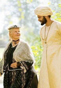 Ngôi sao kì cựu Judi Dench trở lại với vai diễn Nữ hoàng Anh đầy quyền lực