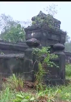 Thừa Thiên - Huế: Lại phát hiện khu lăng mộ Hoàng tộc bị xâm hại