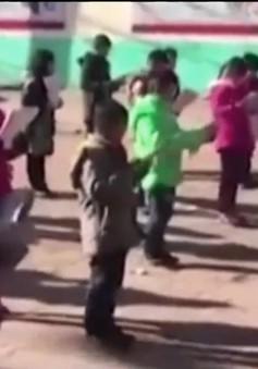 Trung Quốc điều tra trường bắt học sinh học dưới tiết trời 0 độ C