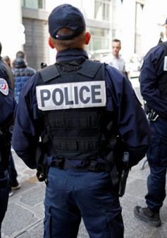 Cảnh sát Pháp bị cáo buộc hành hung người da màu