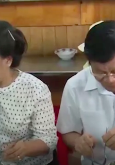 Nguyên Chủ tịch nước Trương Tấn Sang đến dùng bữa tại quán cơm 2.000 đồng