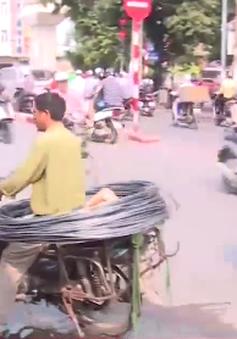 Xe máy cũ nát gây ô nhiễm môi trường