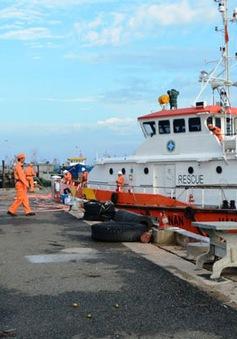 Cứu nạn thuyền viên bị rơi xuống biển