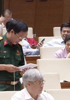 Xem xét bổ sung đối tượng được trang bị vũ khí quân dụng