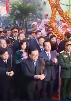 Dâng hương tưởng niệm người dân Hà Nội bị bom Mỹ sát hại năm 1972