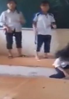 """Nữ sinh lớp 7 ở Hà Nội bị nhóm bạn """"đánh hội đồng"""" ngay tại lớp học"""