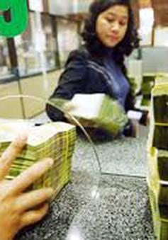 Có nên đánh thuế các khoản lãi lớn từ tiền gửi ngân hàng?