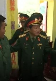 Phó Chủ tịch Quốc hội Đỗ Bá Tỵ thăm và chúc Tết Quân đoàn 2
