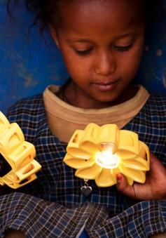 Little Sun - Đèn thông minh hoạt động không cần điện