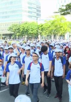 """Hơn 5.000 người dân TP.HCM tham gia """"đi bộ 10.000 bước chân"""""""