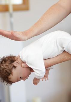 Cách xử lý khi trẻ bị hóc hướng dương, thạch ngày Tết