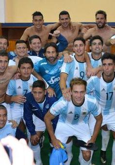 Copa Libertadores: Đội bóng phải mượn trang phục để ra sân thi đấu