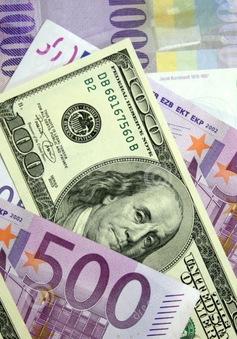 Đồng USD ở gần mức thấp nhất trong 13 tháng do căng thẳng địa chính trị