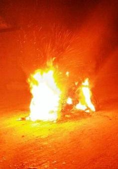 Nghi án nam thanh niên tự đốt xe