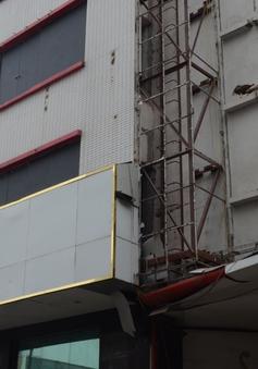 Các quán Karaoke tại Hà Nội đồng loạt lắp thang thoát hiểm