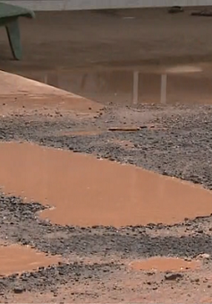 Đồng Nai: Đường hư hỏng nặng do xe tải né trạm cân, trạm thu phí