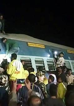 Ấn Độ: Xe lửa trật đường ray, ít nhất 32 người thiệt mạng