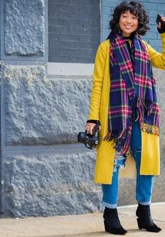 Hòa cùng nắng đông với trang phục gam màu vàng rực rỡ