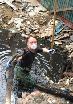 James Joseph Kendall - Ông Tây lội mương vớt rác ở Hà Nội