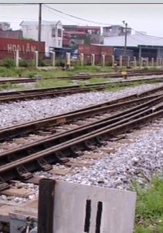 Gia tăng sự cố tàu trật bánh do hạn chế hạ tầng