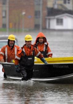 Canada huy động quân đội hỗ trợ người dân bị lũ lụt