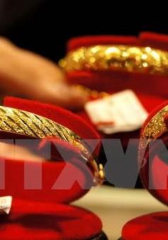 Giá vàng châu Á lên mức cao nhất trong một tháng
