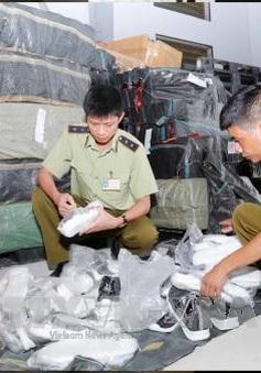 Hà Nội: Phát hiện hàng nghìn đôi giày không rõ nguồn gốc xuất xứ