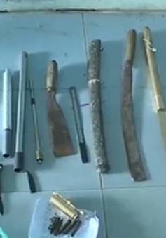 """Vĩnh Long: Bắt nhóm đối tượng tàng trữ kho """"hàng nóng"""""""
