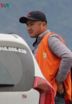 Một phóng viên bị hành hung khi đang tác nghiệp tại khu vực bến phà Bãi Cháy cũ