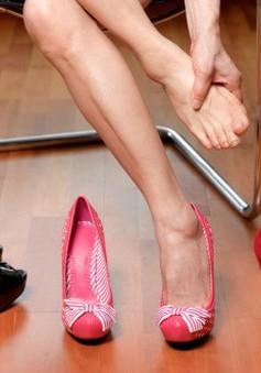 Đi giày cao gót và bệnh suy giảm tĩnh mạch chân