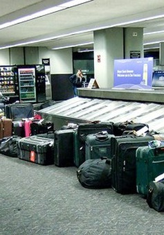 Kỷ luật đội trưởng an ninh sân bay lấy tài sản của hành khách