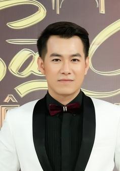 """Sài Gòn đêm thứ 7: Hồ Trung Dũng khoe """"tậu"""" được nhà mới"""