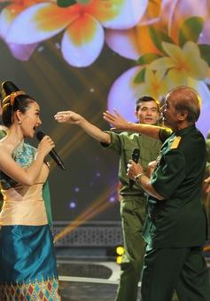 Giai điệu tự hào: NSND Trần Hiếu hát tiếng Lào, ngẫu hứng với vũ điệu Chăm-pa