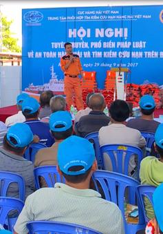 Tập huấn kỹ năng, kiến thức an toàn hàng hải cho ngư dân