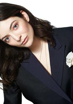 Lorde: Tôi không tự tin trên thảm đỏ