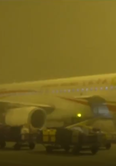 Hàng chục chuyến bay tại Trung Quốc phải hủy