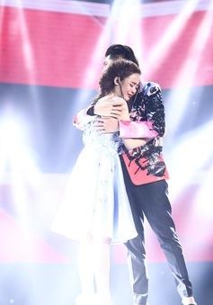 Thí sinh Giọng hát Việt bật khóc khi hát tặng mẹ bị ung thư