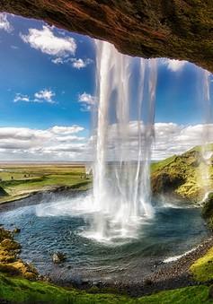"""""""Lạc trôi"""" trước những khung cảnh đẹp đến khó tin ở Iceland"""