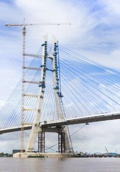 Hợp long cầu Vàm Cống nối liền tỉnh Đồng Tháp và TP cần Thơ