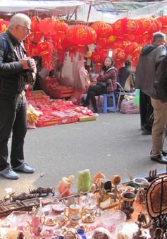Đi chợ đồ cổ Hàng Lược những ngày giáp Tết Đinh Dậu
