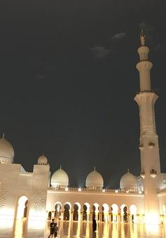 Nhà thờ Hồi giáo Sheikh Zayed (UAE) – Viên ngọc sáng giữa sa mạc