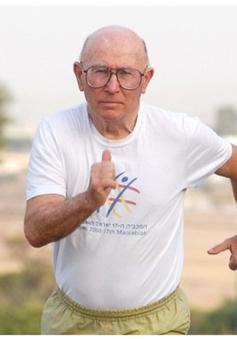 Kỷ lục đi bộ của cụ ông Israel 81 tuổi trong ngày sinh nhật