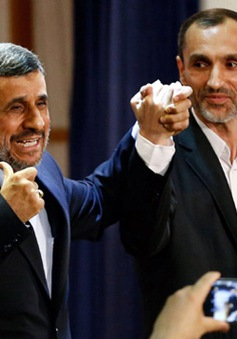 Hai ứng cử viên Tổng thống Iran vướng vòng lao lý